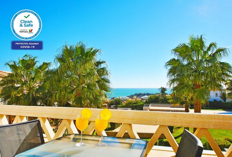 Mar 1 -  LUXURY TOWNHOUSE STUNNING SEA VIEW, AIR CON, SWIMMING POOL, vacation rental in Calvana