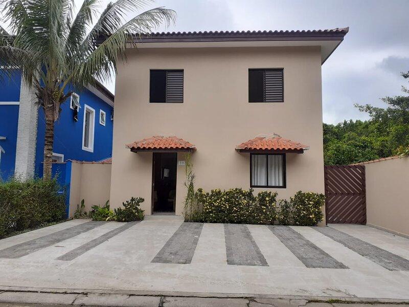 Uma casa acochegante e familiar,para desfrutar da melhor praia de guaratuba, alquiler de vacaciones en Bertioga