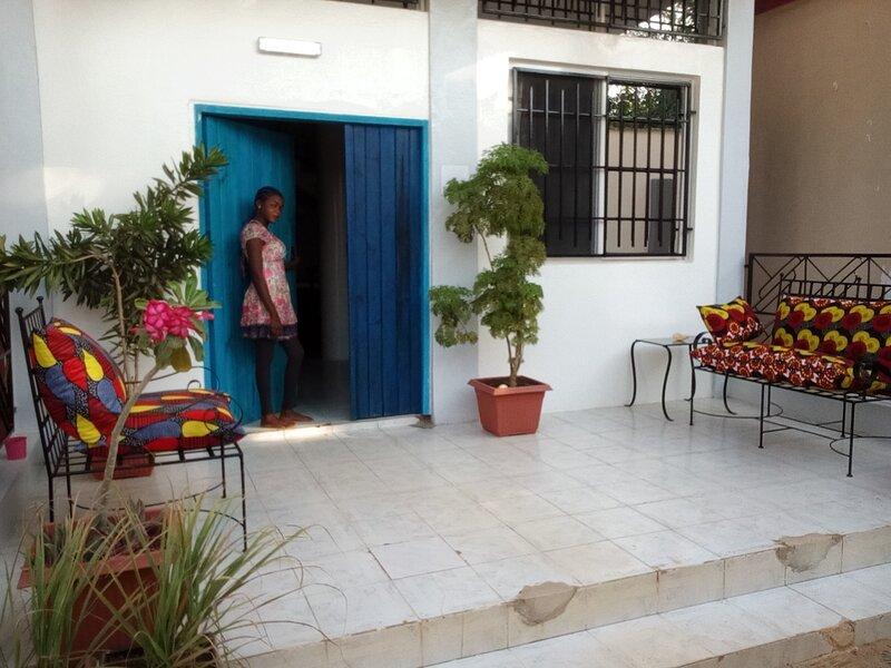 room27 COMPANY HOUSING & ART .guest house., holiday rental in Serekunda