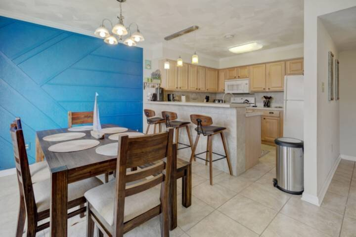 Deer Track Villa - Brand New to the Rental Market!!, holiday rental in Socastee