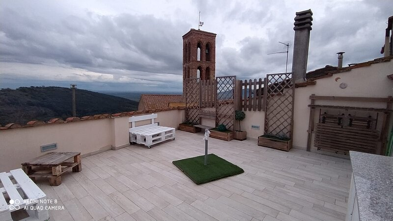 Appartamenti BLU, ARANCIO, ROSSO - Centro storico, vacation rental in Sticciano Scalo