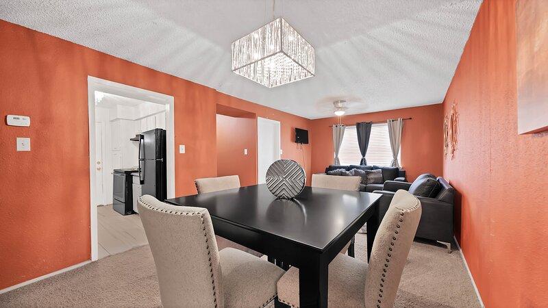 3 bedroom Apartment, casa vacanza a North Houston