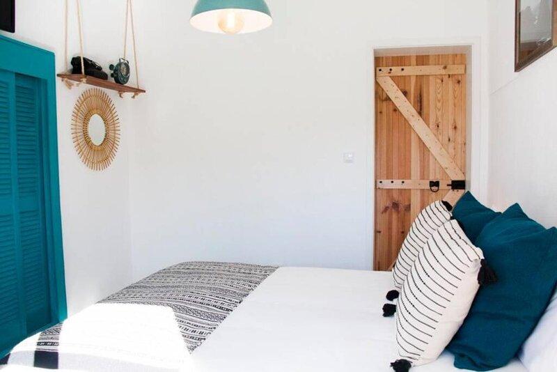 Um Lugar ao Sol Beach House Azenhas do Mar, alquiler de vacaciones en Magoito