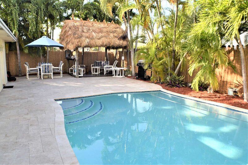 When You're Here It's 'Just Another Day in Paradise' Private Deck Pool, Tiki Hut, aluguéis de temporada em Lauderhill