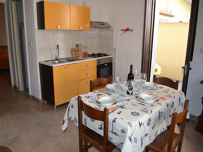 Casa vacanza con spazio esterno a Torre dell'Orso PT37, holiday rental in Roca Vecchia