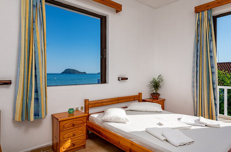 Horizon Apartments - Double Sea View Room, holiday rental in Laganas