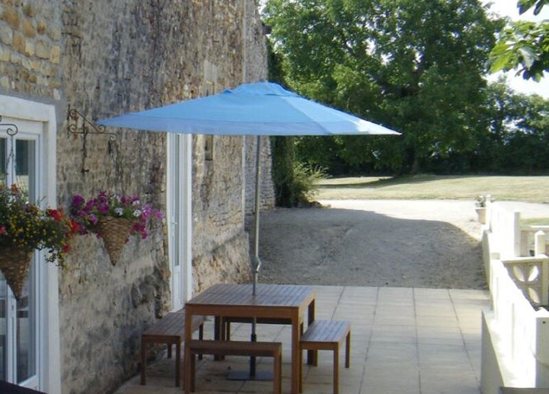 La Palonia French Gite, vacation rental in Limalonges