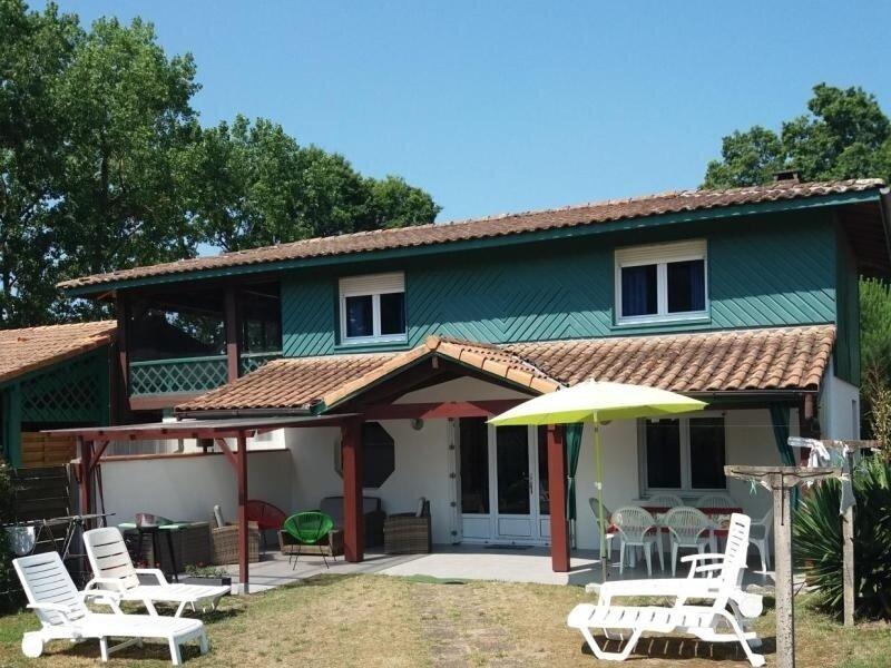 GITE DU LAC, Ferienwohnung in Saint-Michel-Escalus