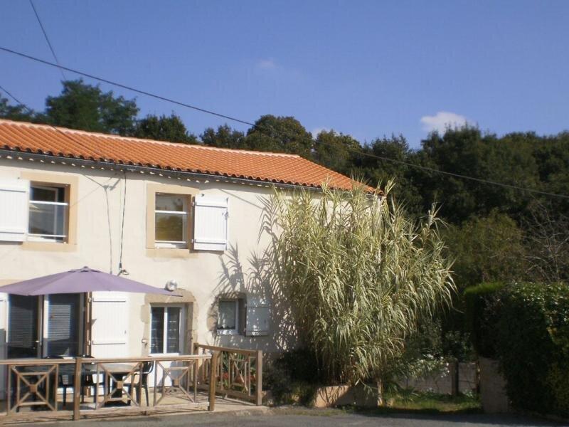 Les Mésanges, holiday rental in Bazoges-en-Paillers
