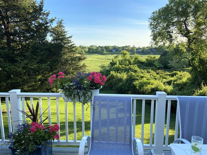 Beautiful Home overlooking Tidal Marsh near Bay! 146297, holiday rental in Barnstable