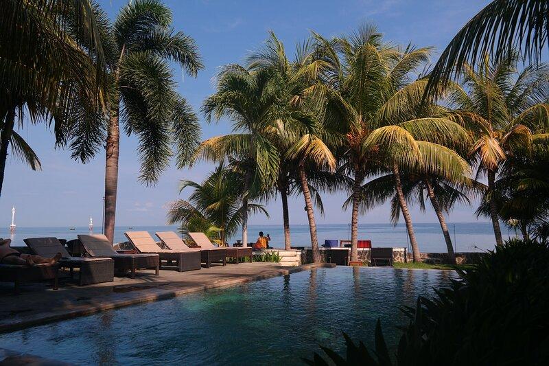 1000 Dream Bungalow and Resort - Triple Bungalow, alquiler vacacional en Sambangan