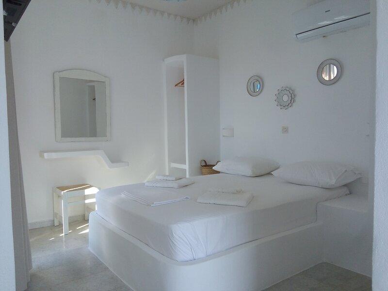 Naxos Sandy Beach - Seaside Terrace Nest, holiday rental in Mikri Vigla