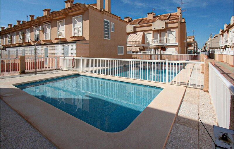 Amazing home in Elche with Outdoor swimming pool and 2 Bedrooms (EBI373), location de vacances à Elche
