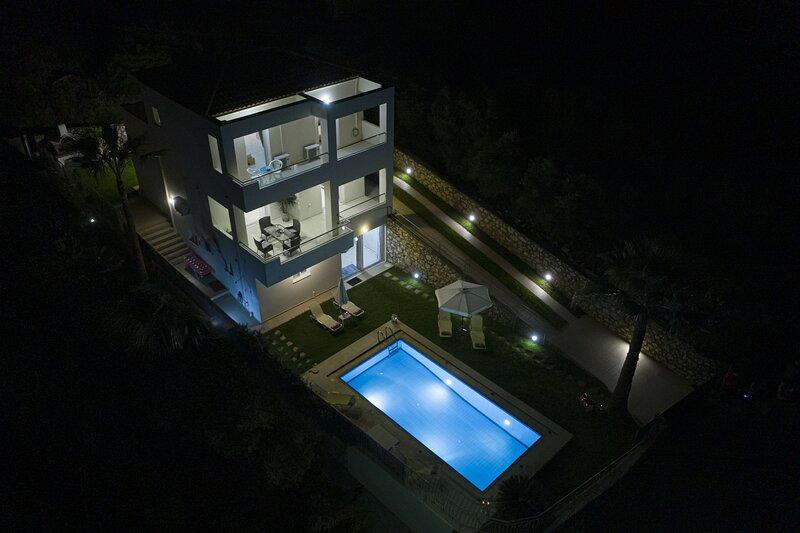 Villa Minos Plaka, alquiler vacacional en Plaka