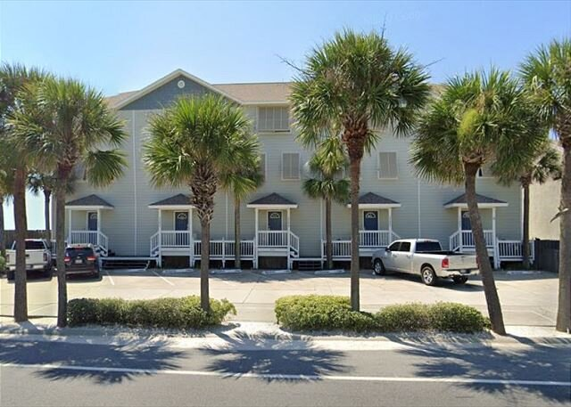 Unit 17659: Beach Front TH w/ Beach Front Pool! - 4 BR 4.5 BA (Sleeps 14), holiday rental in Panama City Beach