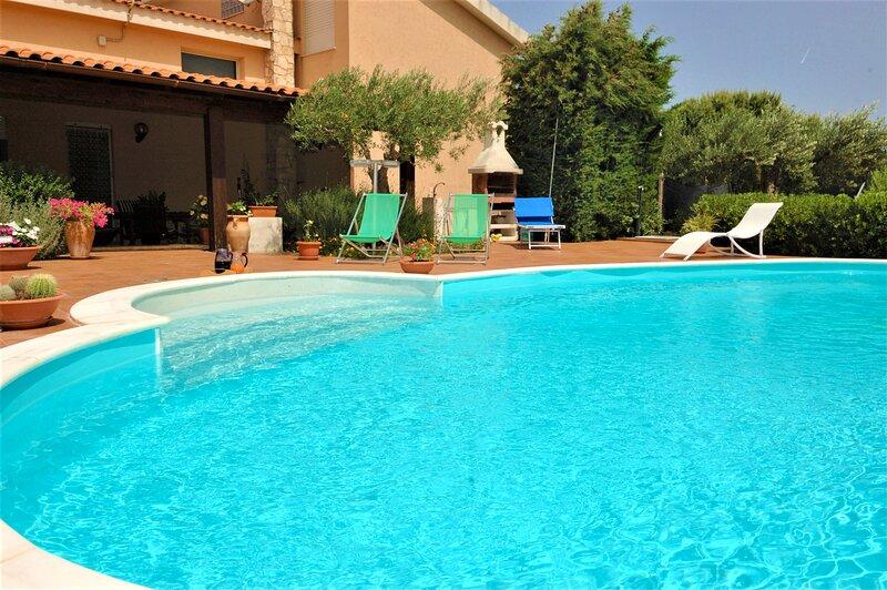 Villa Rita con piscina, vacation rental in Ballata