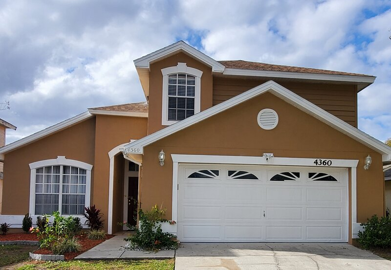 Exceptional 4 Bedroom/Pool Disney Vacation Home, vacation rental in Kissimmee