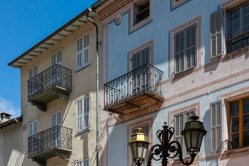 Beautiful 3-Bed Apartment in La Brigue, holiday rental in Tende