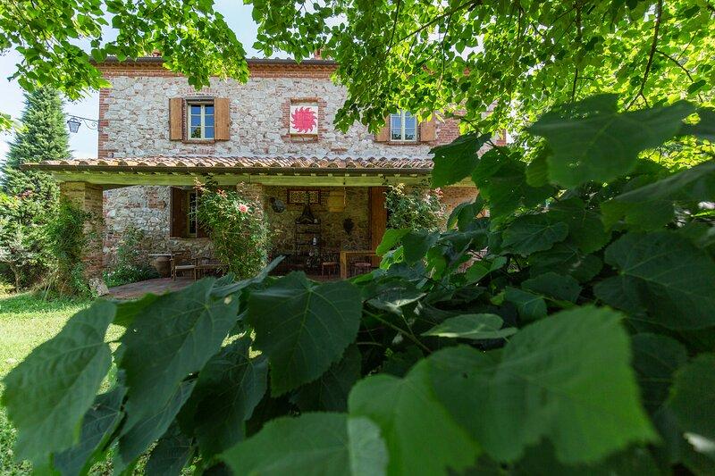 Casale Selve di Sotto, location de vacances à Guazzino