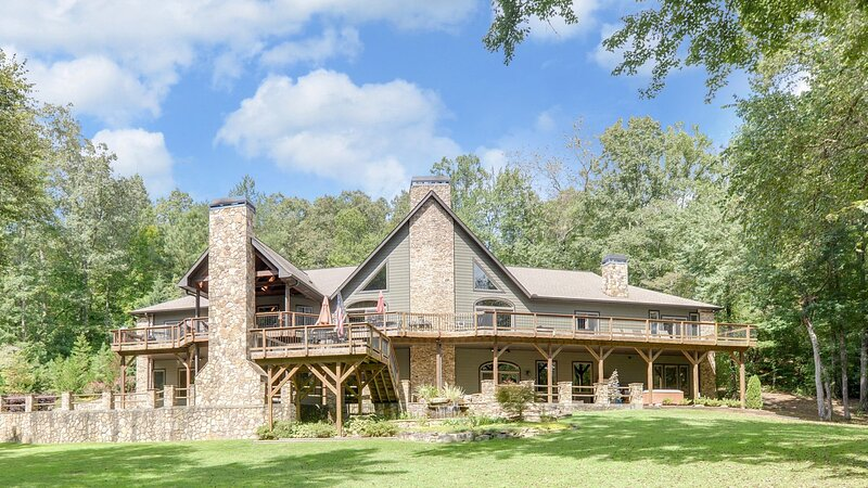 Toccoa Lodge, vacation rental in Blue Ridge