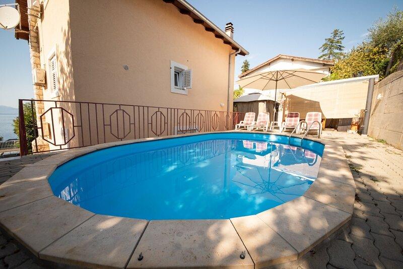 Ivona - open swimming pool: A1 (4+2) - Njivice, vacation rental in Njivice