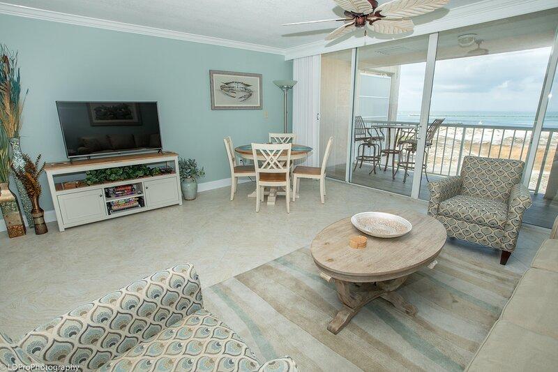 Magnolia House 606 - Luxury Top Floor 1 BR - Stunning Views, alquiler de vacaciones en Shalimar