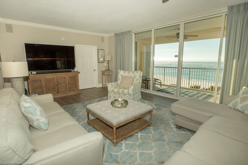 Stunning Luxury in this Gulf front 3 BR 3 Ba and amazing views, holiday rental in Shalimar