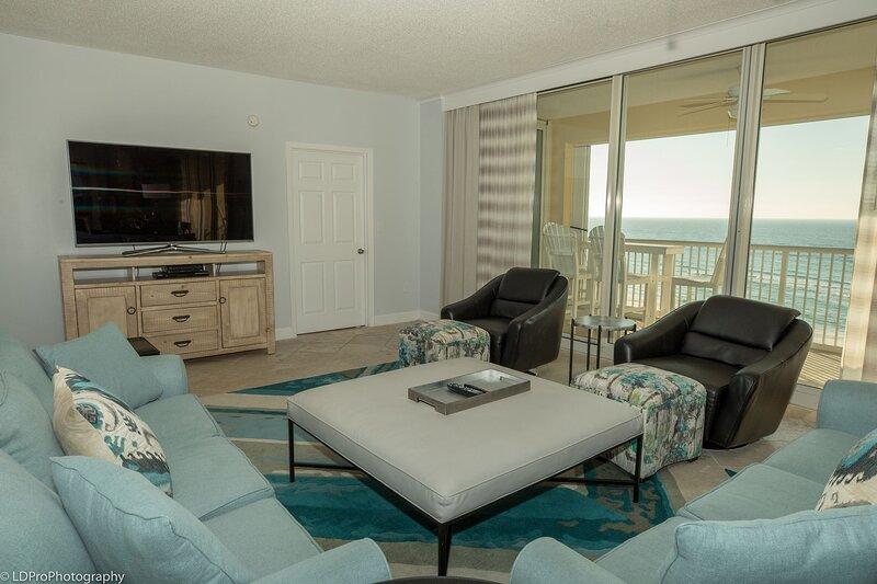 Oceania 506 is a a beautiful 3 BR Gulf front condo that sleeps 8, aluguéis de temporada em Shalimar