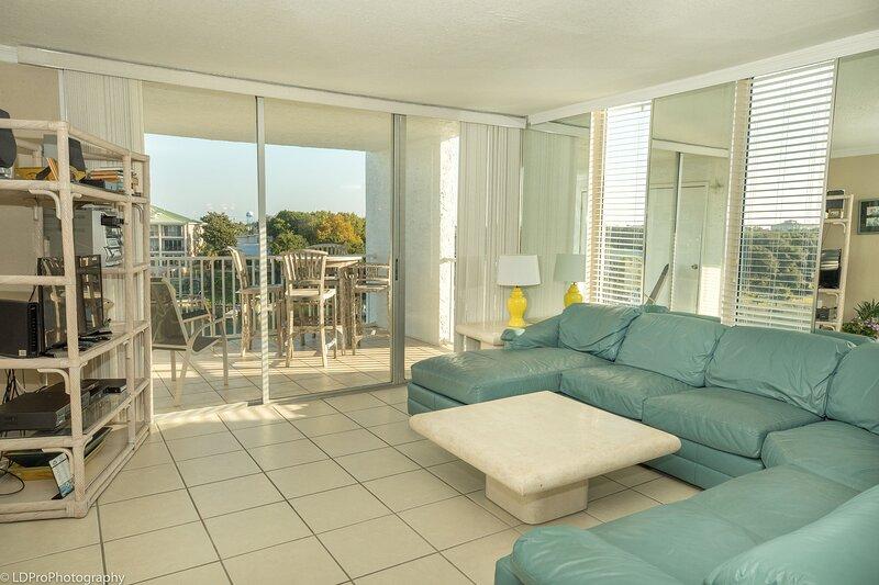 601B is a 2 BR with Amazing Harbor Views at affordable pricing, aluguéis de temporada em Shalimar