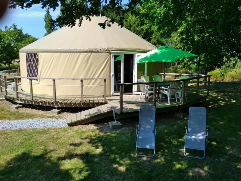 La Yourte du Bonheur, vacation rental in Saint-Christophe-du-Ligneron