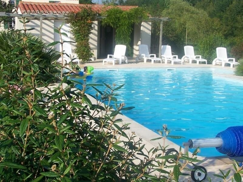 Les Charmes, holiday rental in Bazoges-en-Paillers