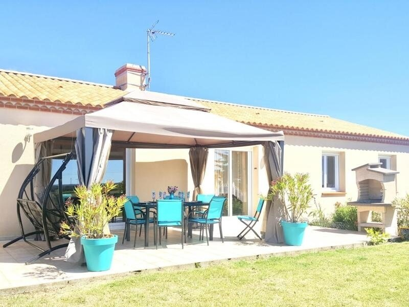 Les Coquelicots, holiday rental in Vaire
