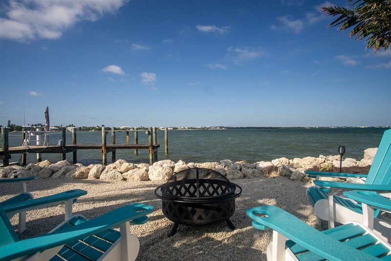 Ocean`s Paradise 4bed/3bath open water with hot tub, pool & dockage, vacation rental in Marathon Shores