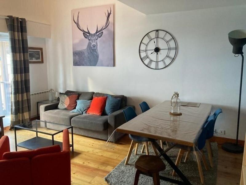 Appartement cosy 2 grandes chambre en plein centre de Brides, alquiler de vacaciones en Brides-les-Bains