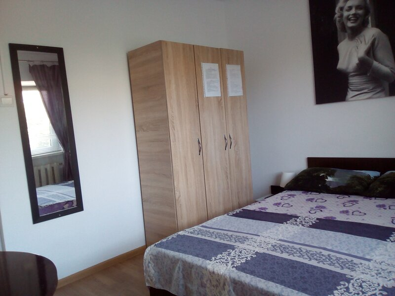 Hostel Florentin camere private -private rooms only, holiday rental in Constanta