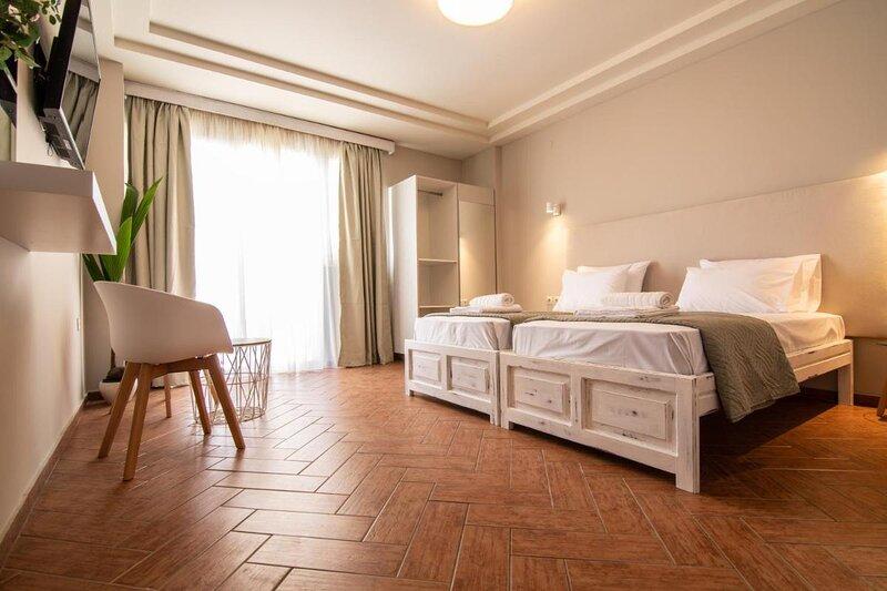 Girogiali beach hotel, holiday rental in Stalos