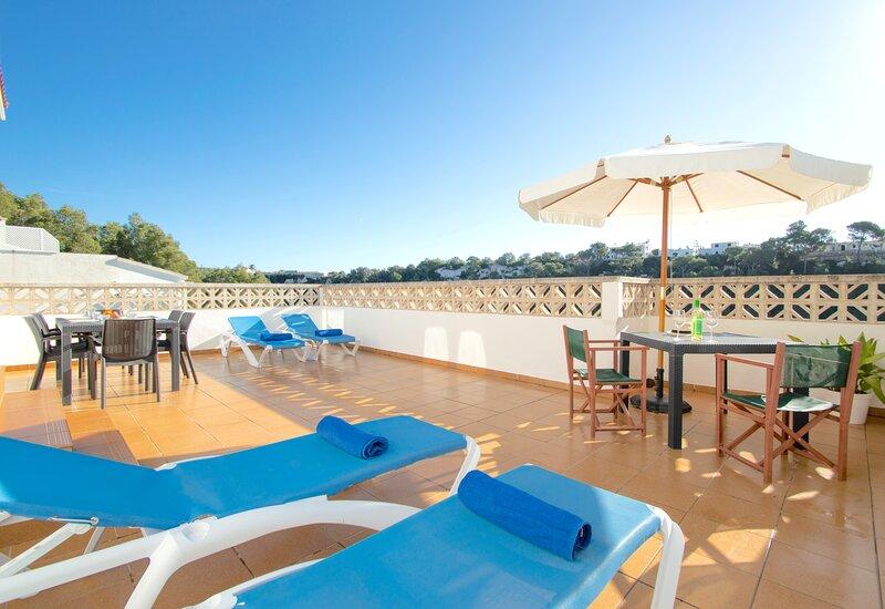 Can Tomeu acogedor apartamento a pocos minutos a pie de la playa de Cala Galdana, holiday rental in Ferreries