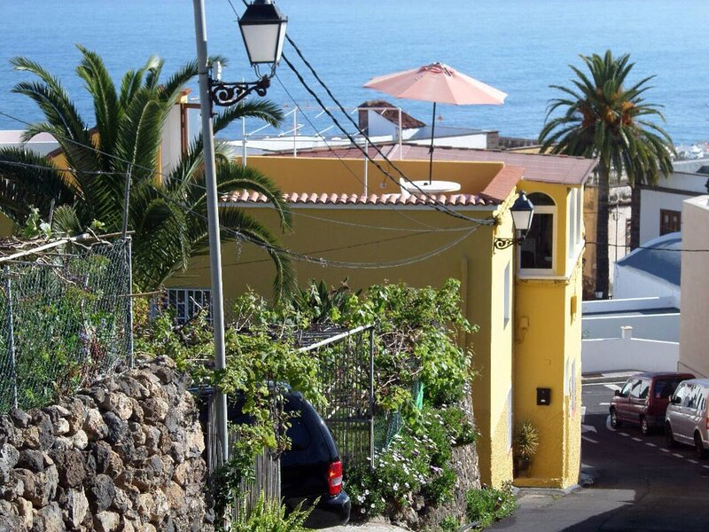Immaculate 3-Bed House + garden in Santa Catalina, vacation rental in La Guancha