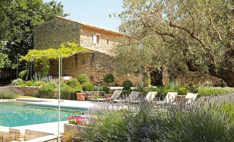 Bonnieux Holiday Home Sleeps 10 with Pool and WiFi - 5879981, holiday rental in Bonnieux en Provence