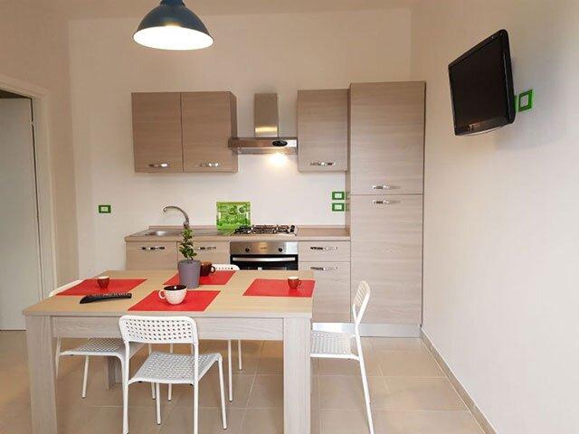 Casa vacanze bilocale a Torre dell'Orso con parcheggio interno PT32, holiday rental in Roca Vecchia
