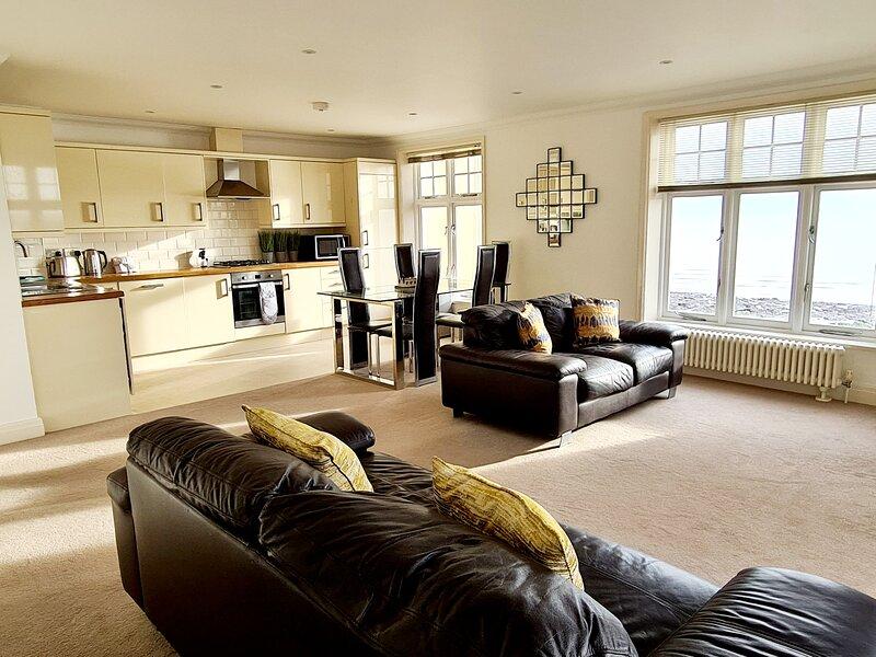 Shore Thing - Luxury Beach Apartment - Sleeps 4, vacation rental in Ramsgate