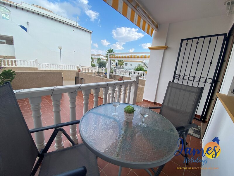 La Cinuelica R14 Townhouse with Com pool L160, holiday rental in La Florida