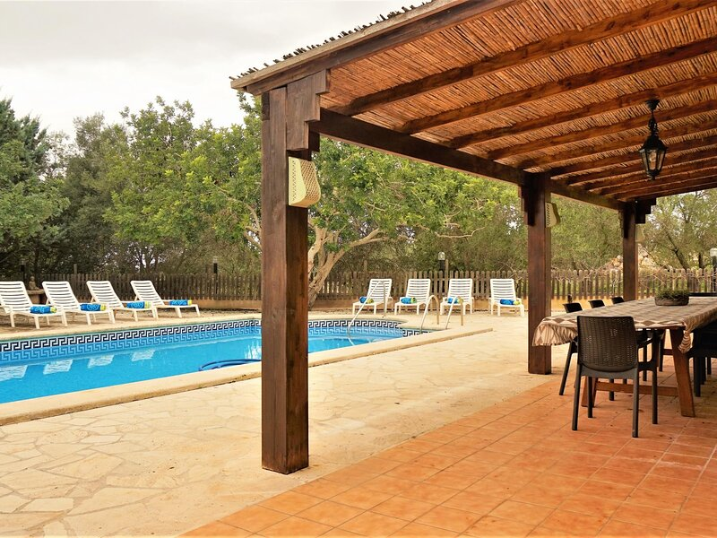 Ca Na Beu - Finca with swimming pool on the outskirts of Santanyi, holiday rental in S'Alqueria Blanca