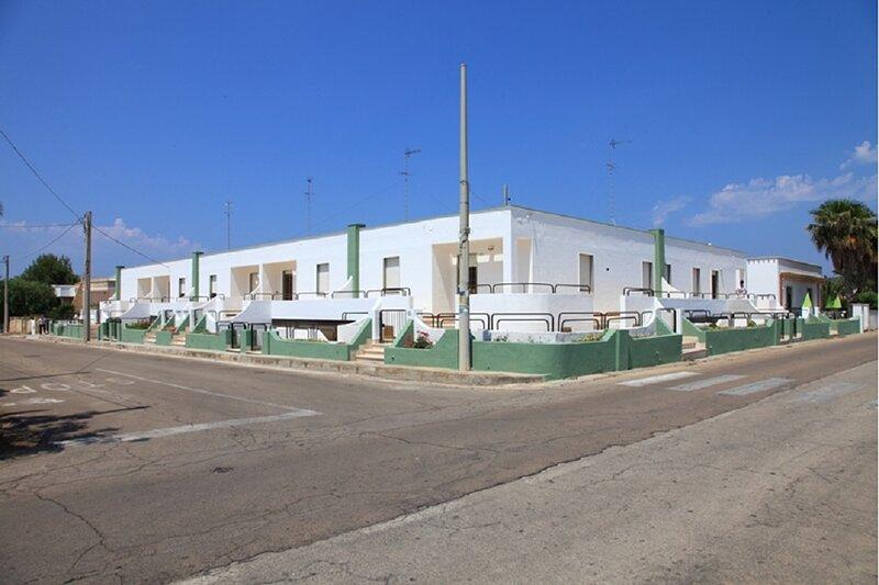 Appartamenti Mancaversa - Trilocali 6 posti letto a 100 metri dal mare, holiday rental in Pizzo