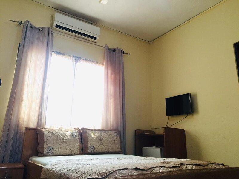 Single Room - Ground Floor, vacation rental in Odorkor