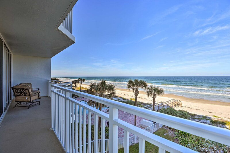 NEW! Fantastic Oceanfront Condo: Resort Pool & Gym, holiday rental in Port Orange