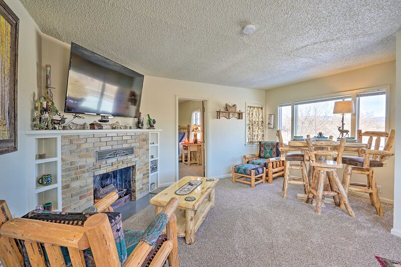 NEW! Cañon City Home, 13 Mi to Royal Gorge Bridge!, vacation rental in Canon City