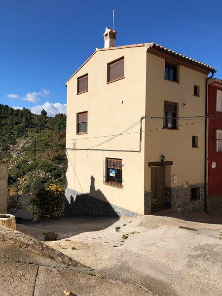 CASA RÚSTICA FUENTE LA REINA, holiday rental in Montanejos