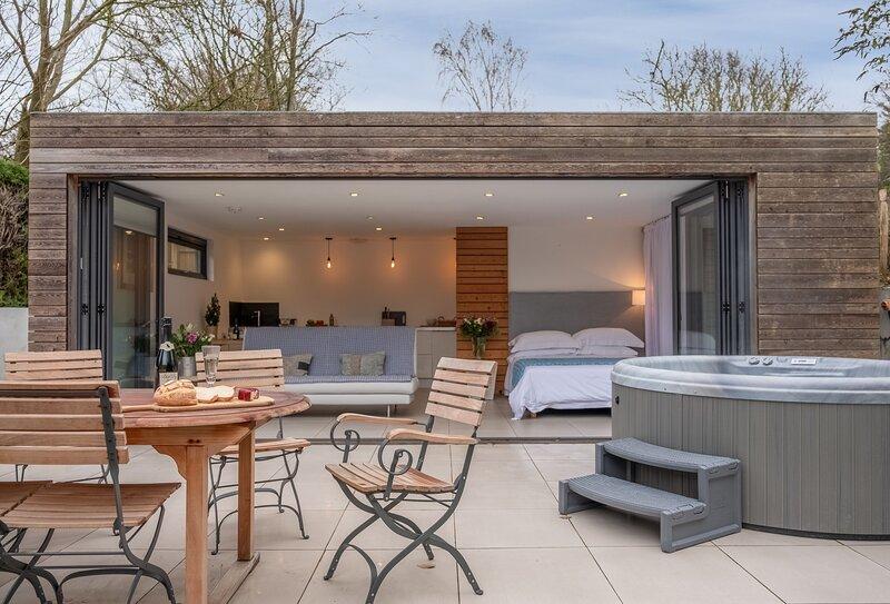 The Garden Room, vacation rental in Babington