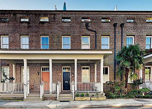Crawford Square Retreat & Carriage House | Rooftop Terrace & 2-Car Garage, alquiler de vacaciones en Savannah